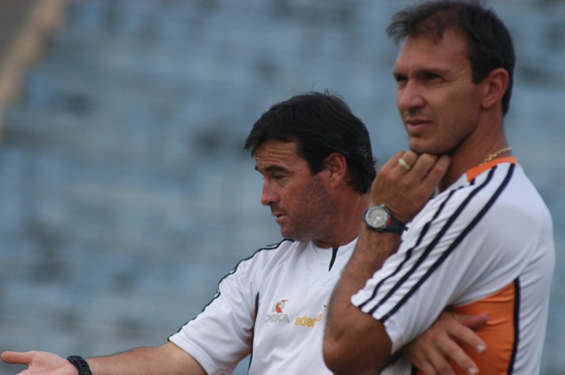 Foto do dia: Veloso como auxiliar-técnico de Pintado na Inter