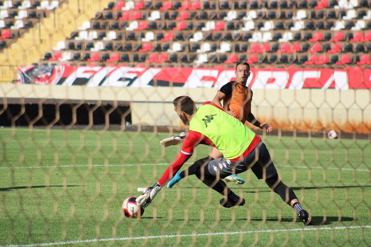 Inter vence Botafogo em jogo-treino no Santa Cruz