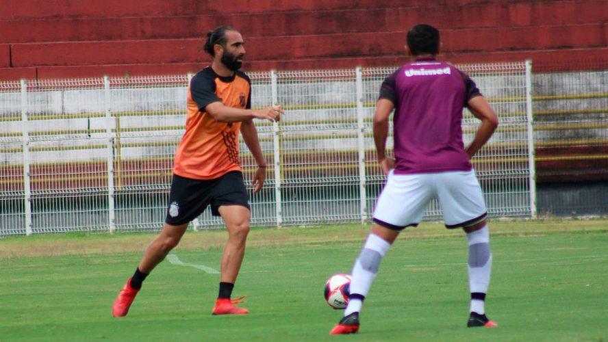 Inter faz jogo-treino contra o Botafogo, em Ribeirão Preto