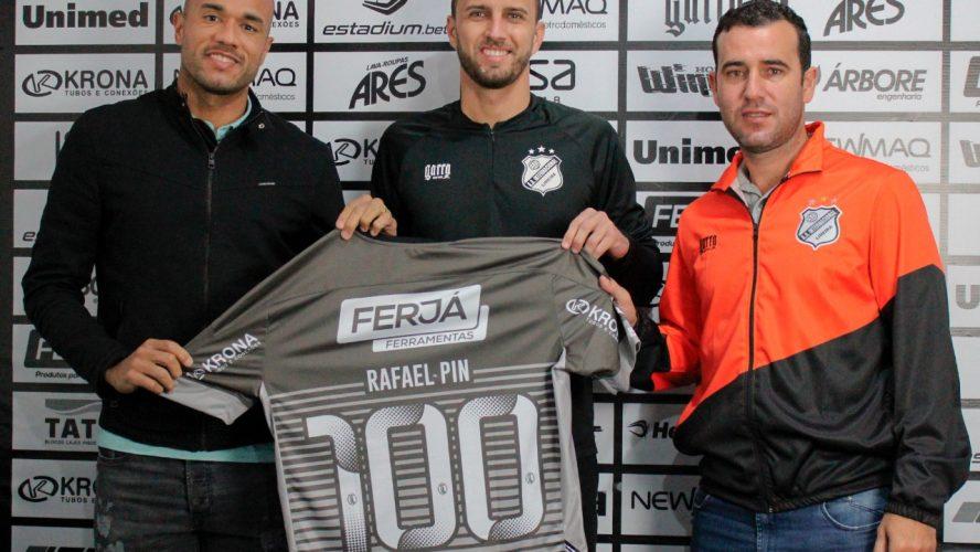 Goleiro Rafael Pin é homenageado na Inter