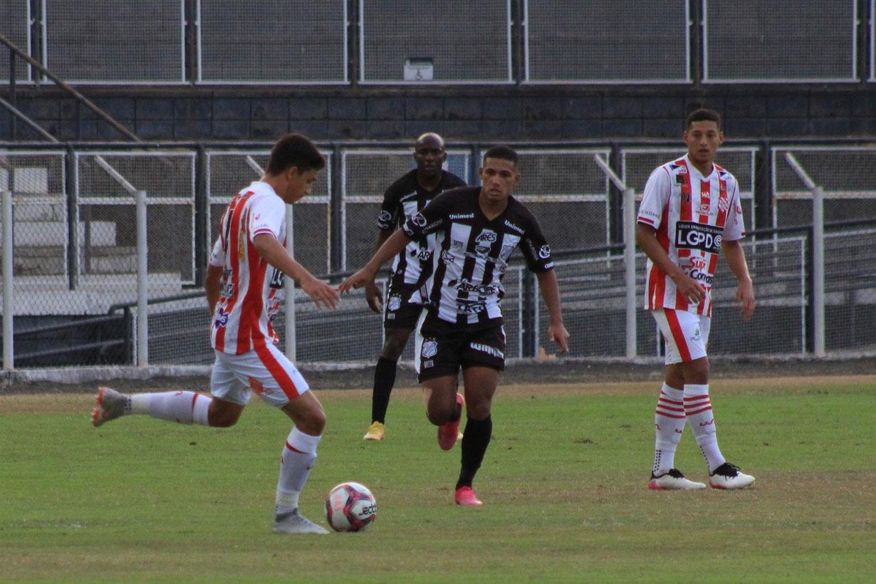 Inter perde para o Bangu e clima fica ruim no Limeirão